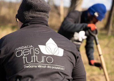 Sadzenie_drzew-Fundacja_Aeris_Futuro